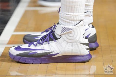 sole  kingscom features top  sneakers worn