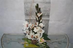 composition florale artificielle hauteur avec bois flott 233