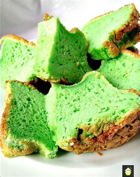 Cake Pandan how to make a chiffon cake here i made a pandan flavour cake which gives a wonderful green