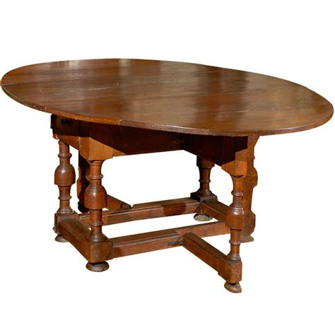 Oak Drop Leaf Dining Table 18th Century Oval Oak Drop Leaf And Gate Leg Dining Table At 1stdibs