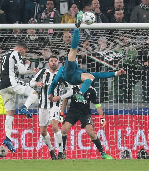 ronaldo juventus boots cristiano ronaldo gary lineker hails goal but hits out at lionel messi comparisons