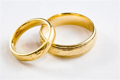 Wedding Rings Gold by Choosing The Best And Rings For The Wedding Season
