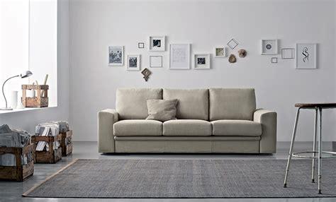 decorazioni pareti soggiorno decorare le pareti soggiorno con foto e quadri 10 idee