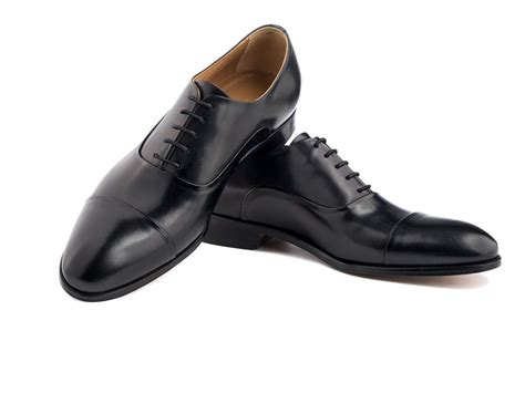 capped oxford shoe cap toe oxford shoes in black antique italian leather