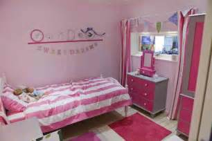 Room Ideas For Girls With Small Bedrooms Bedroom A Small Teenage Bedroom Simple Bedroom
