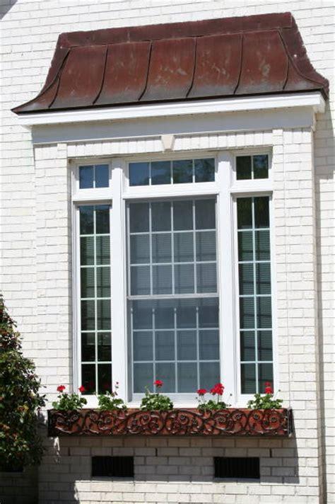 box windows bellflower style