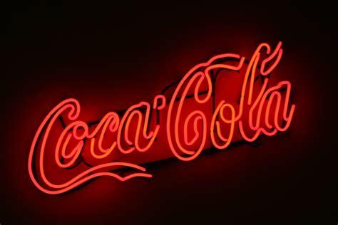 scritte illuminate insegna filo neon coca cola