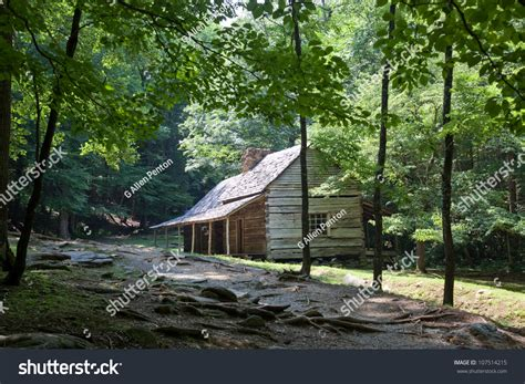 Vacation Cabins In Tennessee Mountains Log Cabin Home Cades Cove Stock Photo 107514215