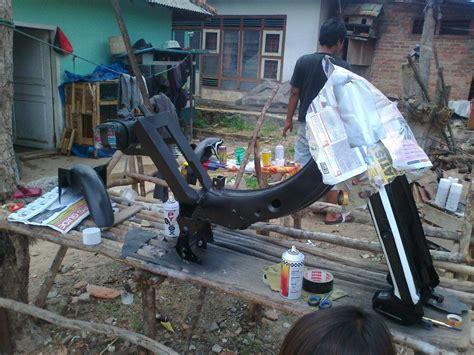 Onderdil Mesin Pemotong Rumput modif motor tua yamaha v80 oktober 2012