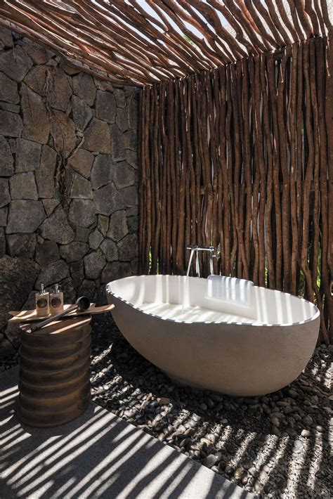 outdoor bathtub ideas 25 best ideas about outdoor bathtub on pinterest