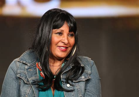 images of pam grier pam grier wallpapers images photos pictures backgrounds