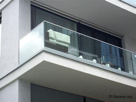 Balkongeländer Glas by Balkongel 228 Nder Glas Sorgt F 252 R Sicherheit Ungest 246 Rte