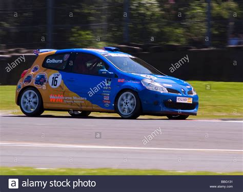 renault race cars renault clio race car in renault clio cup at oulton