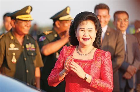 vann molyvann wikipedia wiki activists help to write cambodian women s history