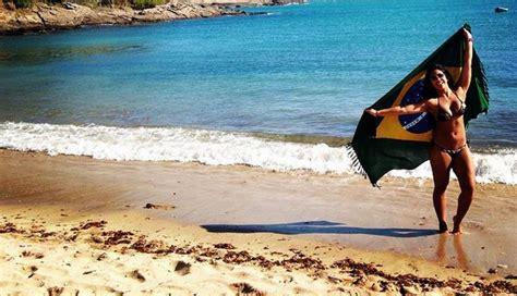 imagenes de vacaciones en brasil vania bludau toda una sirena en las playas de brasil