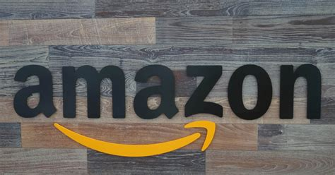 amazon dubai amazon reaches deal to acquire souq com dubai standard