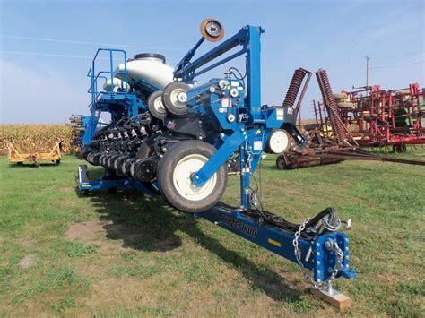 30 row kinze 3600 corn planter kinze farm equipment