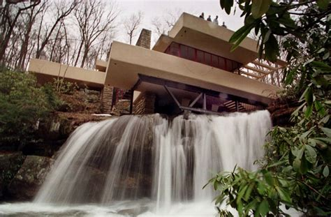 wright casa sulla cascata fallingwater equilibrio tra architettura e natura all