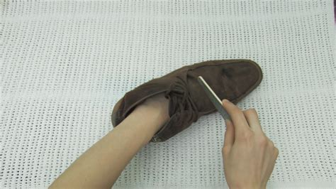 Stains Out Of Suede by The 4 Best Ways To Clean Suede Shoes Wikihow