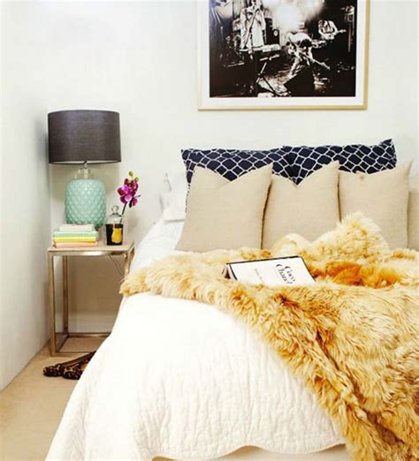 how to place throw pillows on a bed how to create a rejuvenating sexy bedroom feng shui