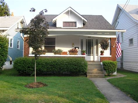 what is a bungalow house file bungalow jpg wikipedia