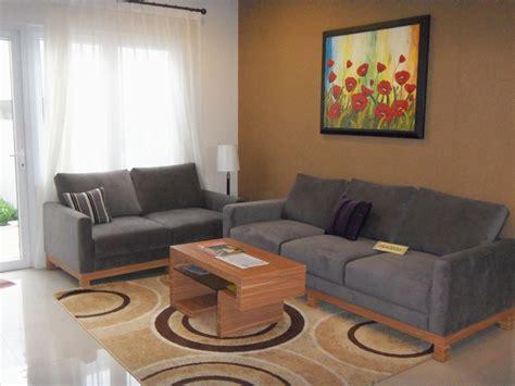 desain ruang tamu rumah kos rendah wallpaper dinding