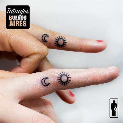 sol tattoo tatuaje sol y en los dedos tattoos minimalistas para