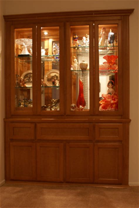 Built In Glass Display Cabinets by Built In Display Cabinet With Glass Shelves And Doors