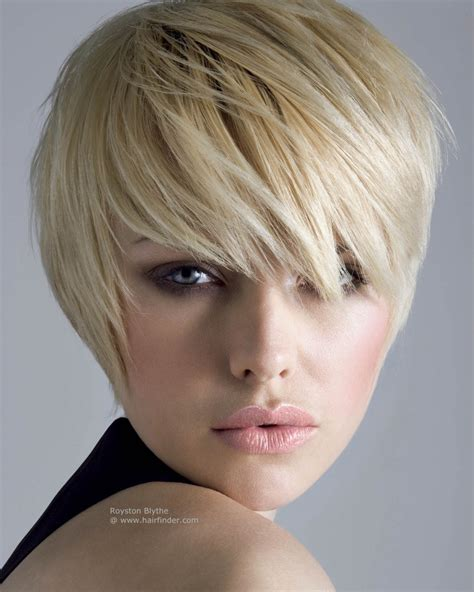 short hair sle short hairstyle with a lash length fringe hair shaped to