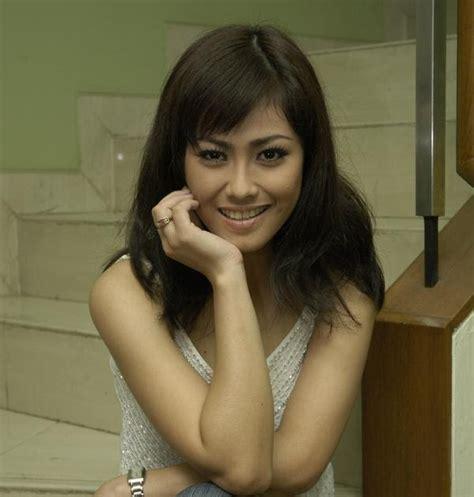 artis film indonesia terbaik foto artis indonesia terbaik foto artis indonesia selly hasan