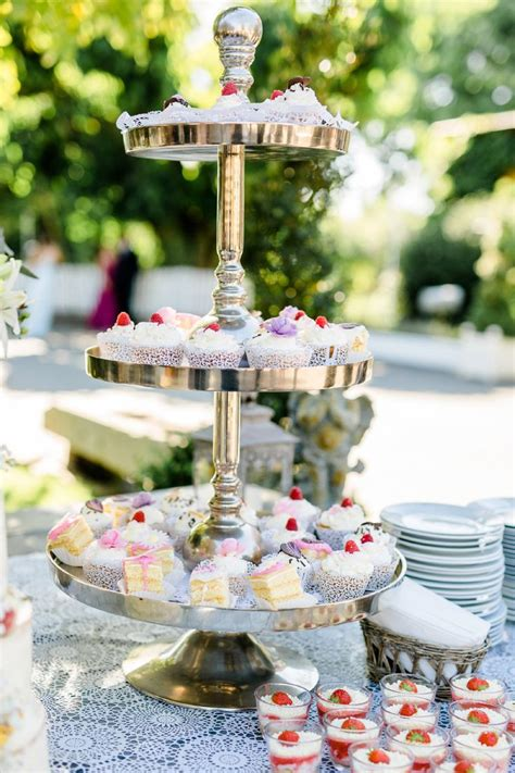 etagere cupcakes hochzeit 45 best candybar images on baking center blue