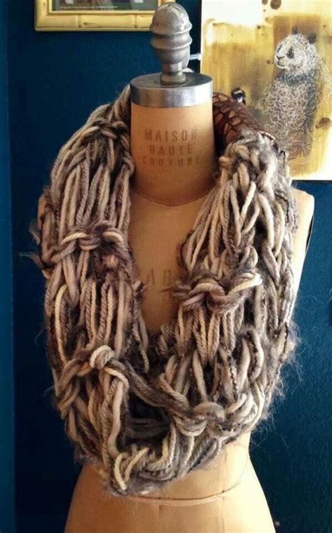 how to arm knit scarf arm knit scarf knitting crochet