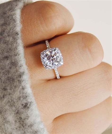 Engagement Rings : Ask A Wedding Expert: Engagement Ring