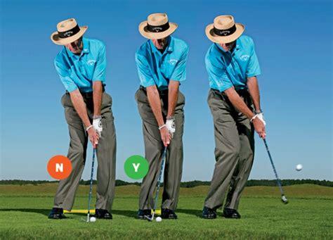 narrow stance golf swing david leadbetter narrow your stance for crisp chips