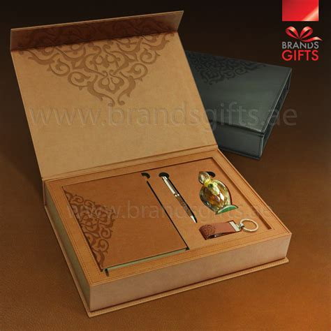 custom gifts luxury gift sets corporate gift items abu dhabi dubai