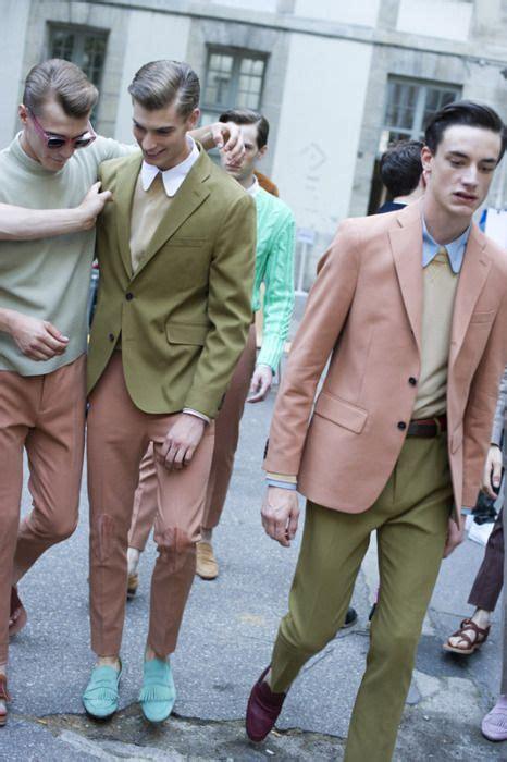 Ivnuo Lightblue s light blue dress shirt pink blazer beige crew