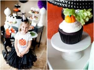 Cupcake Decorating Ideas For Halloween Halloween Cupcake Decorating Party Decor Kids Parties
