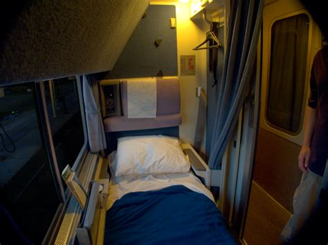 2 Bedroom Suites In Chicago by Amtrak Journeys The Train Is The Vacation 06 01 2005