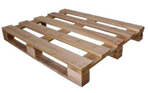 Shipping Pallet by Dishfunctional Designs How To Disassemble A Wooden