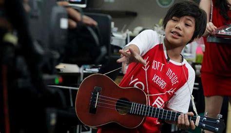 ini dia gitar indonesia yang terinspirasi film coco global kisah perjalanan tegar dulu pengemis jalanan