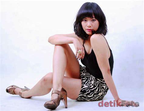 Bodo Amat Atasan Wanita Blouse 0125 inilah 9 foto wichita satari bergaya dan