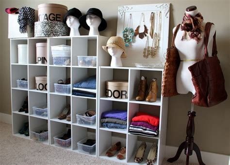 13 ways to make your room without a closet work