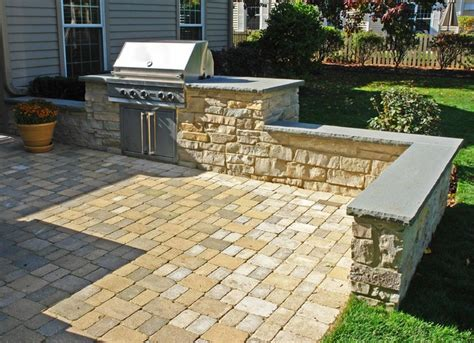 outdoor patio built in grill seatwalls water feature