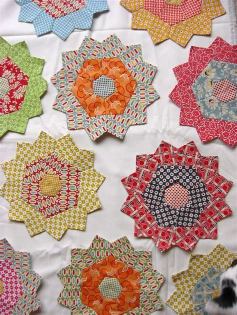 Hexagon Papers For Patchwork - 134 best hexie or epp quilts blocks images on