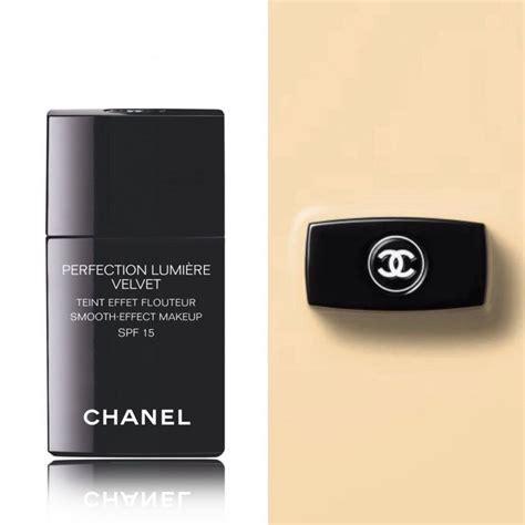 Chanel Perfection Lumiere Velvet Foundation chanel perfection lumiere velvet foundation foundation chanel and velvet