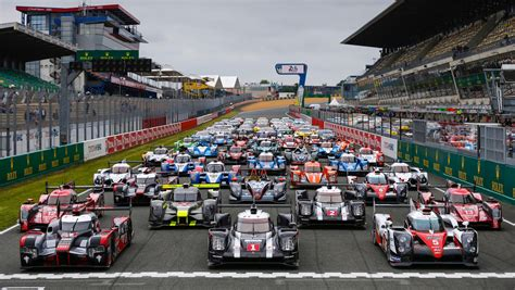 Le Man Porsche by 919 Hybrid Goes To Le Mans As Title Defender