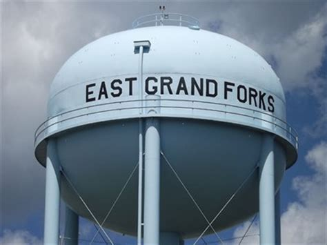 East Grand Forks Water And Light by Water Tower East Grand Forks Mn Water Towers On