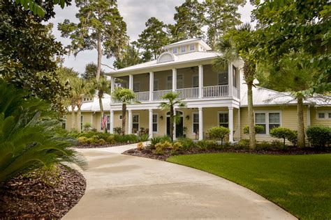 Houses In Gainesville Fl by Gainesville Luxury Homes What Is Selling In The