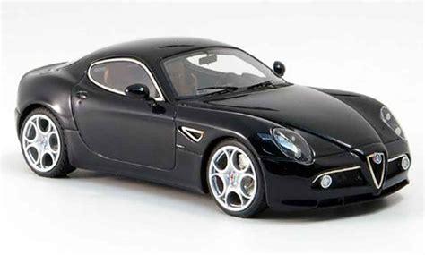 Diecast Wheels Alfa Romeo 8c Competizione Merah alfa romeo 8c competizione black austellung frankfurt 2007