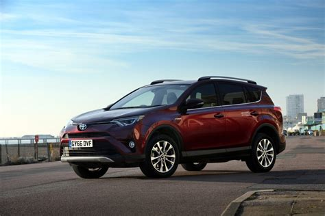 Toyota Company Uk Rise In Clean Air Awareness Powers Toyota To New Uk Sales